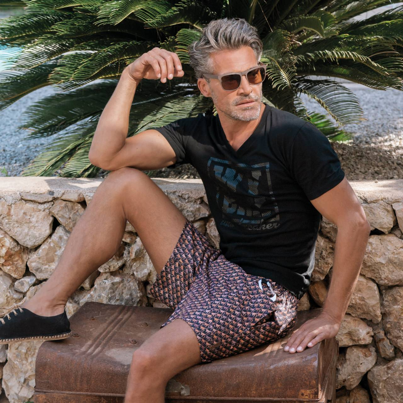 A casual masculine look for men – that's how beach fashion will make you look good